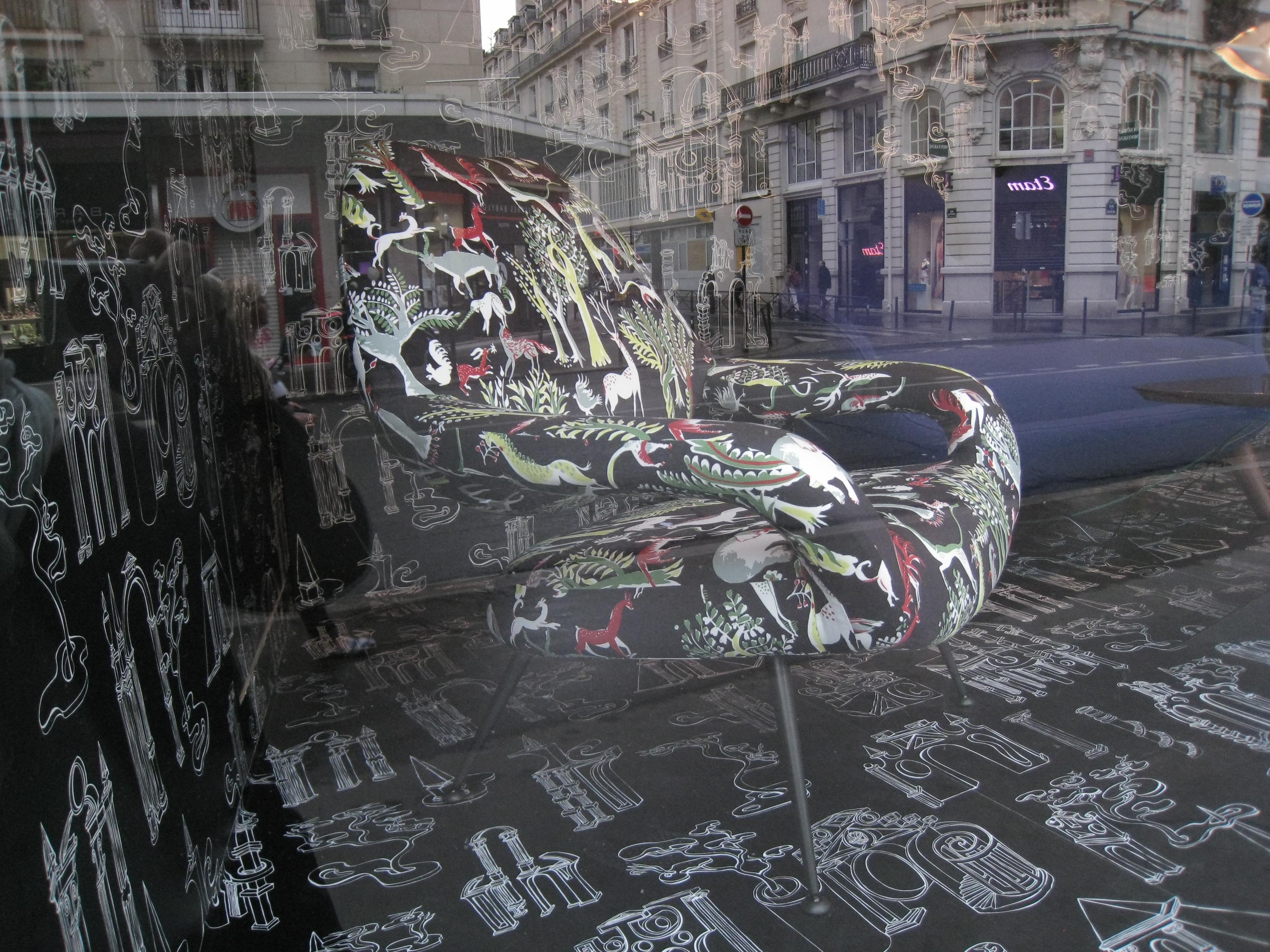 1 vitrine fauteuil IMG_0033